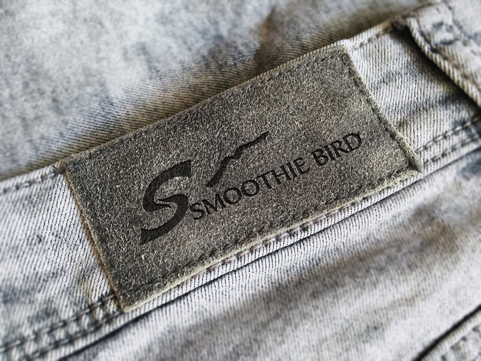 SmoothieBird_牛仔褲品牌LOGO設計_背牌烙印